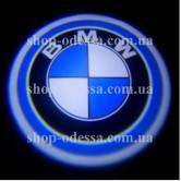 Подсветка в двери авто логотип - BMW -  лазерная проекция логотипа в двери автомобиля BMW